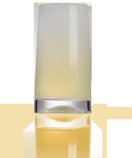Nitro Cold Brew tea. Glass with Nitro Cold Brew tea.